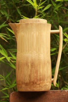 Garb this bamboo jug and go organic. Bamboo Cups, Bamboo Box, Bamboo Furniture, Home Decor Furniture, Cheap Furniture, Furniture Online, Home Crafts, Diy And Crafts, Bamboo House Design