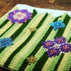 Modern Cross Stitch Kit 'Flower Meadow' Small, Cross Stitch Pattern, Cross Stitch for Beginners, Mod Modern Cross Stitch, Cross Stitch Designs, Cross Stitch Patterns, Quirky Gifts, Needlepoint Kits, Metallic Thread, Handmade Items, Handmade Gifts, Embroidery Kits