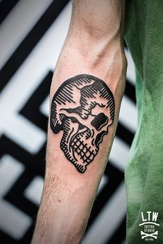 black thick line neo-traditional skull by Javier Rodríguez