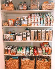 Kitchen Organization Pantry, Home Organisation, Organized Pantry, Pantry Ideas, Pantry Room, Closet Organization, Organization Ideas, Kitchen Pantry Design, Kitchen Decor