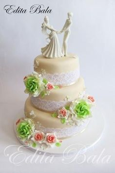 Wedding Cake by lee