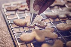 Vianočné zázvorníky - Recept pre každého kuchára, množstvo receptov pre pečenie a varenie. Recepty pre chutný život. Slovenské jedlá a medzinárodná kuchyňa