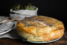 Η αγκιναρόπιτα είναι μια διαφορετική πίτα από τις συνηθισμένες, αν σου αρέσουν οι αγκινάρες σίγουρα έχει ενδιαφέρον να την δοκιμάσεις! Greek Recipes, Pork, Turkey, Meat, Cooking, Kale Stir Fry, Kitchen, Turkey Country, Greek Food Recipes