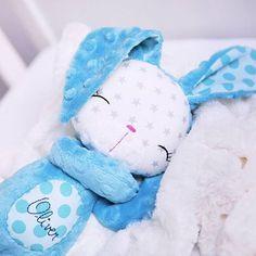 Minky zajačik #dnestvorim #milujemehandmade #madeinslovakia #minky #hracky # zajačik @sashe_sk #turquoise #teal #sewing #plushietoy #plushiebunny @michaelmillerfabrics #lovetosew #originaltoy #baby friendly