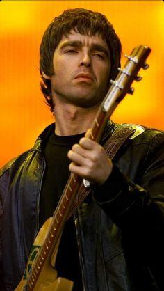 Oasis, Liam Gallagher, Britpop, Eyebrows, Indie, People, Champagne, Bands, Eye Brows