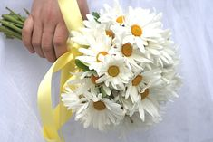 wedding flowers bouquets daisies