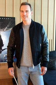 Michael Fassbender promotes 'Assassin's Creed' Movie in japan - February 2017 Michael Fassbender And Alicia Vikander, Creed Movie, Human Bean, Cherik, Men's Day, Celebs, Celebrities, Leather Jacket, Leather Sleeves