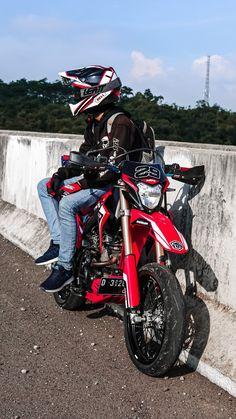 Cool Dirt Bikes, Gakuen Babysitters, Bike Photoshoot, Boy Images, Don Juan, Dirtbikes, Motocross, My Boys, Honda