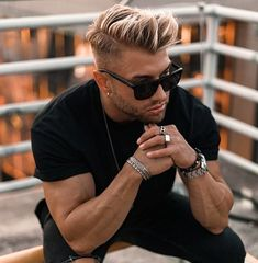 ᵂᴱᴿᴮᵁᴺᴳ Live what you love. It's all up to you 🖤 . Cool Mens Haircuts, Cool Hairstyles For Men, Boy Hairstyles, Alex Storm, Bleached Hair Men, Hair And Beard Styles, Short Hair Styles, Men Hair Color, Fade Haircut