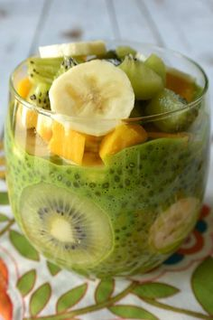 Green Chia Pudding , By Dessert Recipes . Green Chia Pudding is perfect for a nutritious breakfast, a satisfying snack, […] Nutritious Breakfast, Vegan Breakfast Recipes, Raw Food Recipes, Dessert Recipes, Healthy Recipes, Healthy Lunches, Dessert Ideas, Easy Recipes, Dinner Recipes