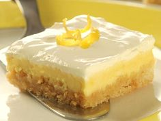 These Italian Limoncello cheesecake bars are so rich, creamy, and refreshing! They are one of the best spring-summer desserts that I have ever tried