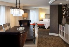 The hotel offers four deluxe suites, each custom-designed and featuring exceptionally large parlor areas, ideally suited for group and convention needs.