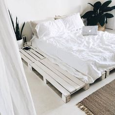 Your room is a reflection of your mind / What do you want it to look like? Forever lusting over bedroom x Dream Rooms, Dream Bedroom, Summer Bedroom, Bedroom Inspo, Bedroom Decor, Bedroom Ideas, Bedroom Designs, Bed Ideas, Aesthetic Bedroom