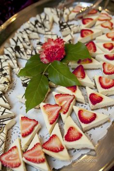 Mini cheesecake bites.TWA Photographic Artists |Chicago Wedding Photography | www.twaphoto.com