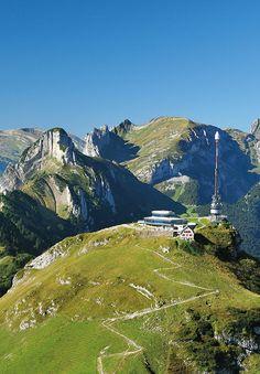 Hoher Kaste: Ein Ausflugsberg im Alpstein in der Ostschweiz | Hoher Kasten a popular hiking mountain with a splendid panoramic view in Eastern Switzerland