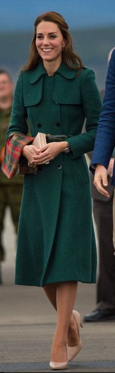 Who made Kate Middleton's green coat?
