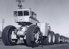 In the the US Government had the Texan company LeTourneau design these massive wheeled land trains. The US Army had three experimental units built, t Cool Trucks, Big Trucks, Cool Cars, Tow Truck, Hors Route, Gas Turbine, Pt Cruiser, Road Train, Engin