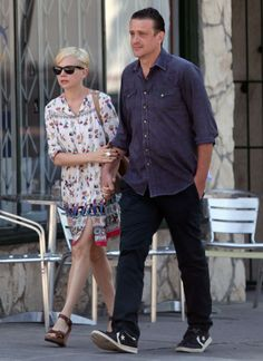 Actor couple Michelle Williams and Jason Segal enjoyed breakfast at Little Dom's in Los Feliz, California