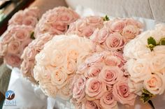 Blush pink and peach #bouquets from @Damselfy
