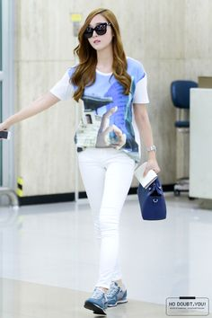 [140527] Jessica at Gimpo Airport From Japan