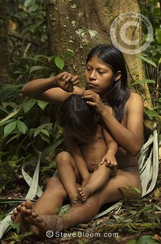 Huaorani Indian girls, Carmen Kaiga & Romelia Andy. Gabaro Community, Yasuni National Park, Amazon rainforest, Ecuador, South America.