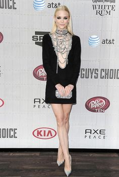 Jaime King wears Emilio Pucci dress and Edie Parker clutch on the #redcarpet for the Guy's Choice Awards