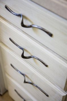 The hardware you choose for your cabinets and drawers can completely transform them into something fresh and fun. #decor