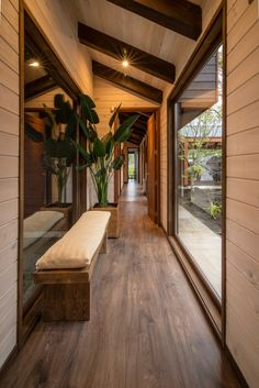 Stunning use of wood in this build // I love that the garden outside is also given importance through floor to ceiling windows. ~ ED House, Araucania, Chile by Eduardo Guzmán Rivera + Juan Carlos Muñoz Del Sante Photography - Cristian Muñoz Del Sante ~ 📷 Home Interior Design, Exterior Design, Interior Design Photography, Floor To Ceiling Windows, Floor Lamps, House Goals, Design Case, Design Design, Home Fashion