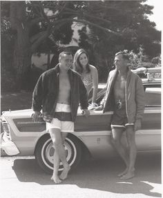 Surfing legends Greg Noll and Phil Edwards with requisite bikini-clad beach bunny and 1965 Ford Country Squire [pr]. Retro Surf, Vintage Surf, Surf Logo, Big Wave Surfing, Woody Wagon, Sport Of Kings, Big Waves, Surfs Up, Vintage Photographs