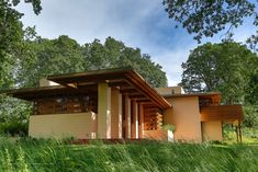 """""""The Gordon House, in the Oregon Garden, Silverton, OR < The only Frank Lloyd Wright house in Pacific Northwest open to the public / oiys Oregon Landscape, Oregon Garden, Oregon House, Usonian, Built In Furniture, Huge Windows, Famous Architects, Close To Home, Frank Lloyd Wright"""