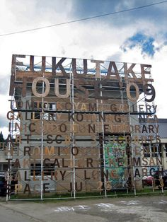 Fukutake House, Japan by Flame Inc. 2013 http://graphicambient.com/2014/04/03/fukutake-house-japan