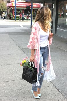 Kimono & distressed denim. Perfect spring look.