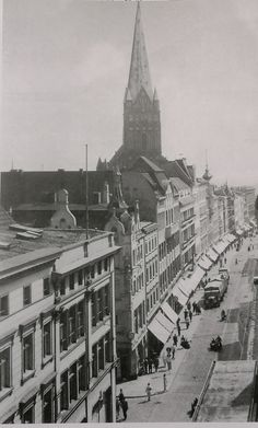 Old Photos, Louvre, Black And White, History, City, Buildings, Posters, Travel, Old Pictures