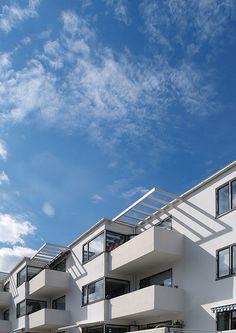 arne jacobsen, 23 juli 2005    bellavista housing, klampenborg, 1931-1934.  architect: arne jacobsen, 1902-1971.