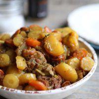 Poulet aux carottes, pommes de terre et épices douces »