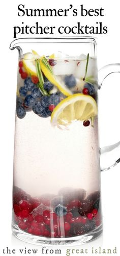Summer's best pitcher cocktails and mocktails for easy entertaining. #cocktails #mocktails #punch #lemonade #icedtea #party #summer #happyhour #easy #vodka #margarita #tequila #rum #wine #sangria #whiskey #best #gin #simple #party  via @https://www.pinterest.com/slmoran21/
