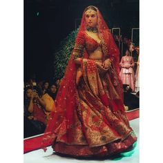 Aditi Rao Hydari Looks Ethereal As She Turns As A Perfect Muse For Designer Anju Modi To Unveil Her Wedding Collection - HungryBoo Indian Bridal Outfits, Indian Bridal Lehenga, Indian Bridal Fashion, Indian Bridal Wear, Indian Designer Outfits, Indian Wear, Dress Indian Style, Indian Dresses, Bridal Lehenga Collection