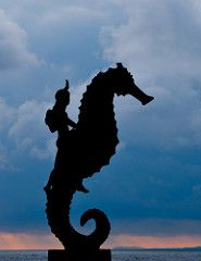 Seahorse statue (OtroPX) Tags: ocean sunset silhouette statue clouds mexico nikon seahorse jalisco vallarta puertovallarta d7k d7000