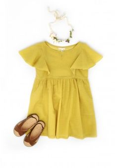 :Little girl.Butterfly dress and hair ribbon - Talc - Via Thalia & Bubu. Fashion Kids, Little Girl Fashion, Look Fashion, Baby Kind, My Baby Girl, Baby Girls, Moda Kids, Kids Outfits, Cute Outfits