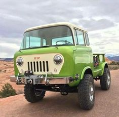 Chevy trucks aficionados are not just after the newer trucks built by Chevrolet. They are also into oldies but goodies trucks that have been magnificently preserved for long years. Jeep Pickup, Jeep Truck, Pickup Trucks, Cool Jeeps, Cool Trucks, Big Trucks, Jeep Willys, Mini Van, Hors Route