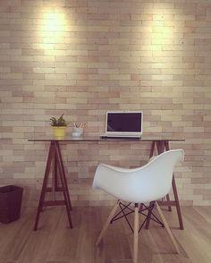 Área de trabalho de um de nossos projetos de interiores criado pela Arquiteta…