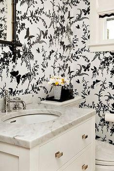 Bold black and white in the bath | via desiretoinspire.net