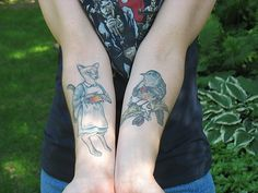 knitting tattoos... don't think I'd actually do it, but they really strike my fancy.