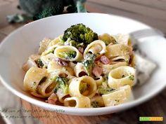 Pasta con philadelphia broccoletto pancetta  #ricette #food #recipes