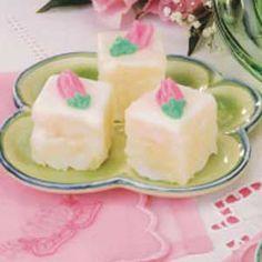 Petit Fours Recipe.petit fours are my favorite! Tea Cakes, Mini Cakes, Cupcake Cakes, Just Desserts, Delicious Desserts, Yummy Food, Mini Desserts, Petit Fours Recipe Easy, Petit Four Cake Recipe