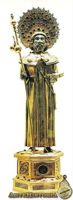 Apostol Santiago,en plata,siglo XV,donacion de algun peregrino,esta en la Catedral de Santiago de Compostela