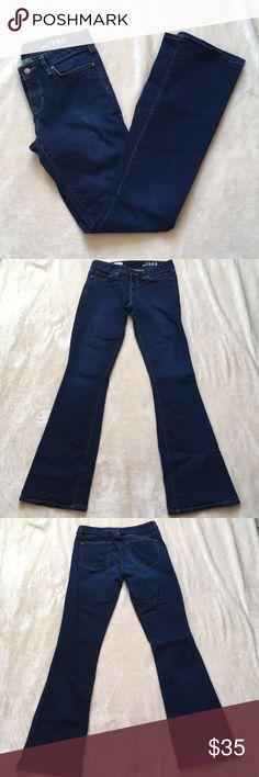 Gap 1969 Perfect Boot XL Dark Wash Jeans 28 XL (extra long). Dark wash. Like new. GAP Jeans Boot Cut