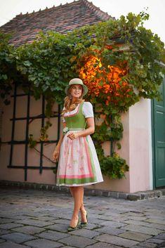 Paisley, Dirndl Dress, Midi Skirt, Seasons, Orange, Country Style, Skirts, Pink, Vintage