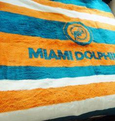 """SAN MARCOS MIAMI DOLPHINS Blanket Throw NFL Football  Acrylic Mexico 68""""x60""""  #SanMarcos #MiamiDolphins"""