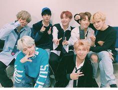 BTS DNA win twitter update